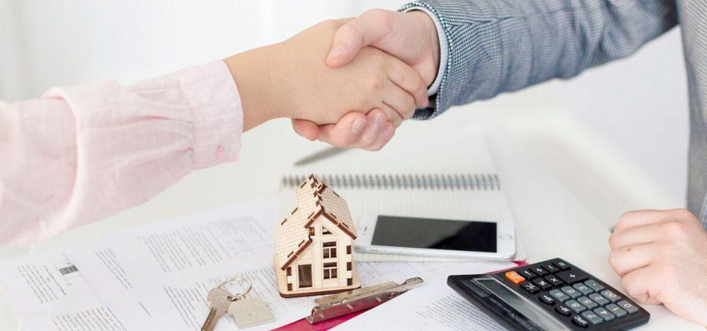 L'aide d'un expert en immobilier peut être précieux.